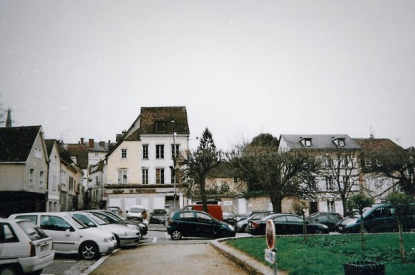 Chartres, France | Lace & Lilacs